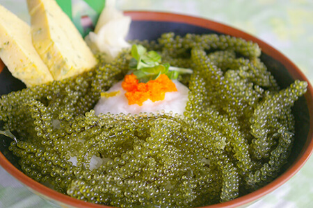 恩納村ドライブに必須「おんなの駅なかゆくい市場」で沖縄グルメを食べつくす!