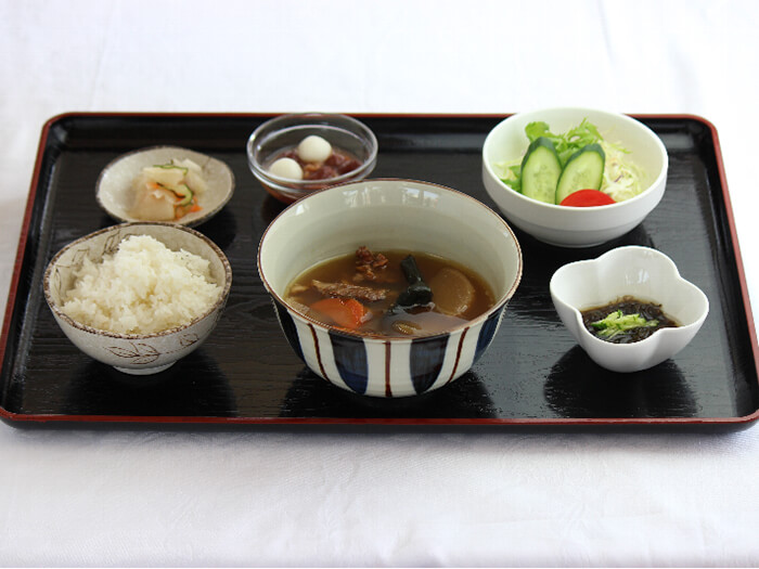 「Suppon (soft-shelled turtle) soup set」 You do not need to worry anything about the different smell or taste from beef or pork. Abusolutely tasty and good for you!