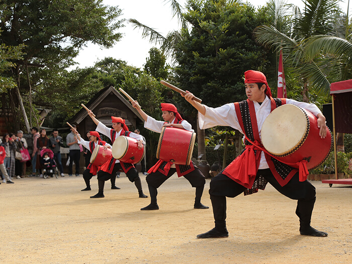"Stirring ""Eisa"" dance performances are scheduled four (4) times a day."