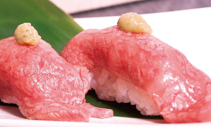 抜群の鮮度が自慢の「特選あぶり寿司」一貫410円