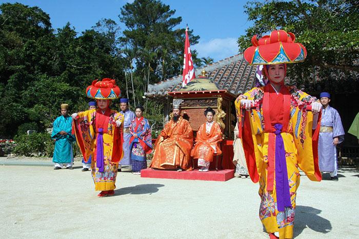 道じゅねー 沖縄の伝統芸能が一同に介する