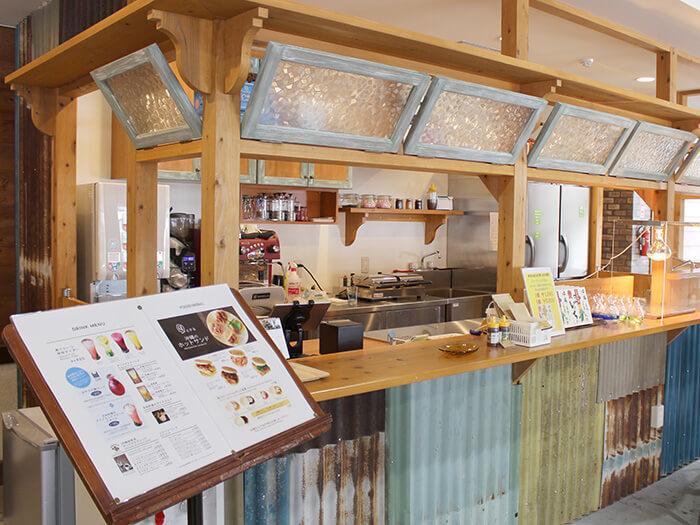 福地カフェ 沖縄焙煎豆のコーヒーやオリジナルメニューをお供にほっと一息