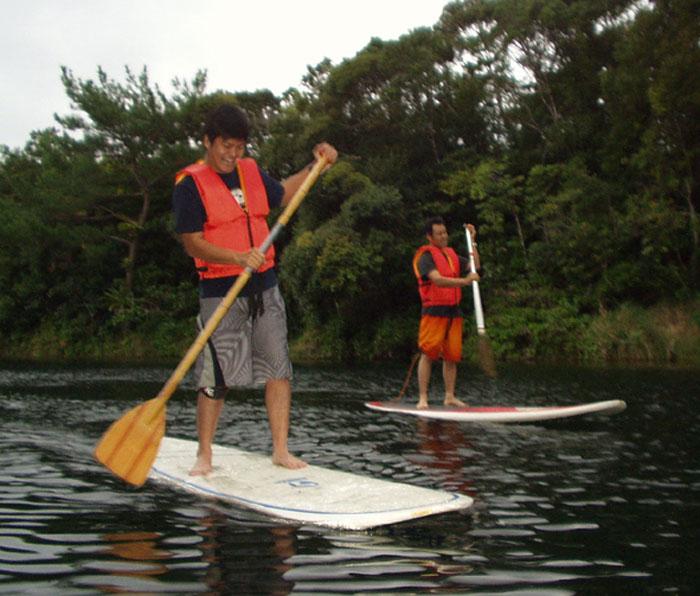 平舟「ひらぶに」(スタンドアップサーフィン) スポーツ感覚、湖水散策