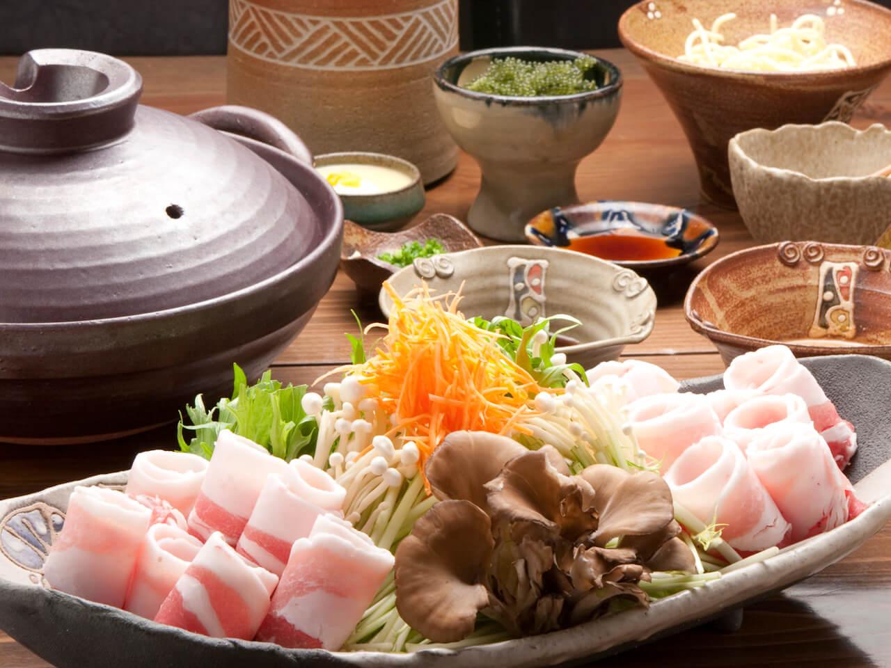 盡情享受沖繩名牌豬肉「紅阿古」的涮涮鍋!