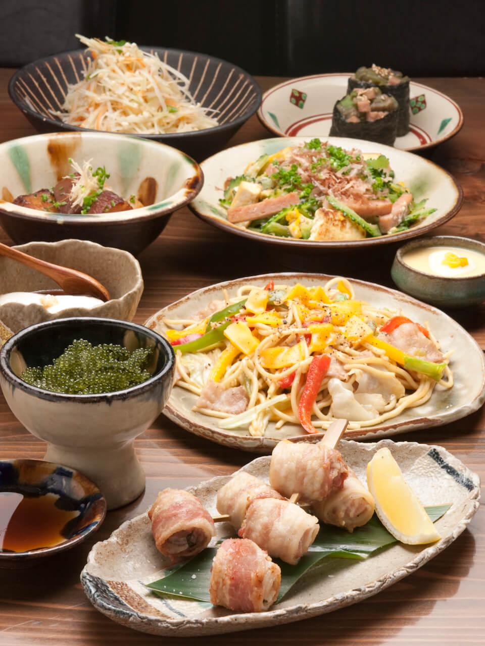 備有「盡享沖繩全餐」2,780日圓起。