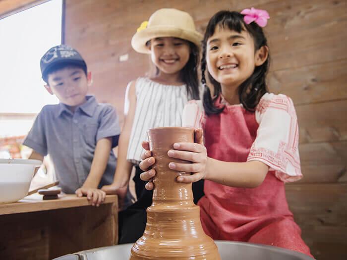 Yachimun experience, in which you make a Ryukyu ceramic ware.