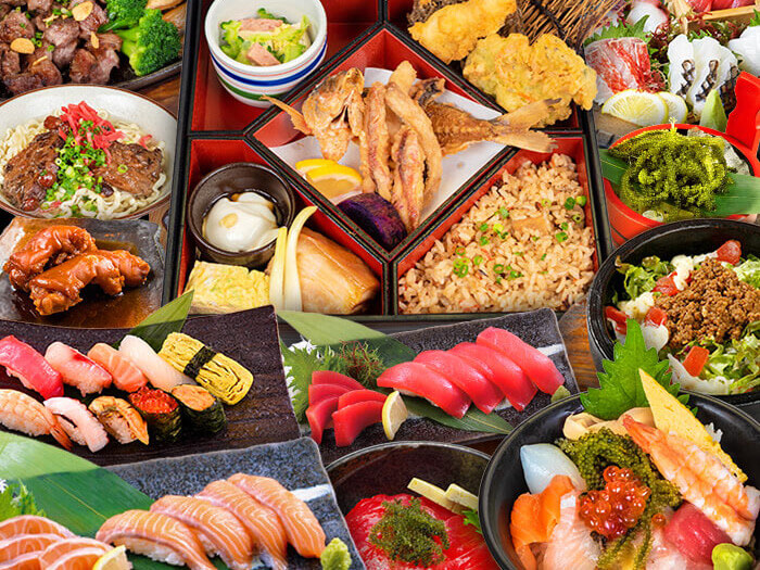 [國際通牧志店] 有午餐時間。11:30〜15:00。從壽司到沖繩料理,豐富品目一應俱全