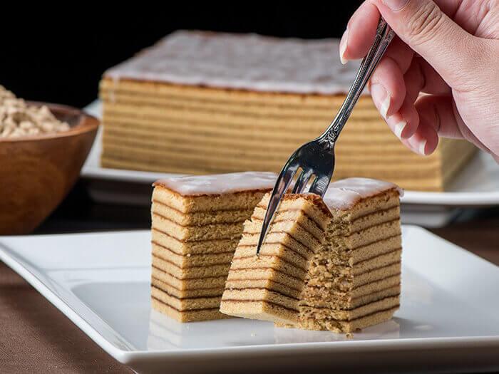 使用沖繩最棒的砂糖「和三盆」精心烘焙出的頂級年輪蛋糕