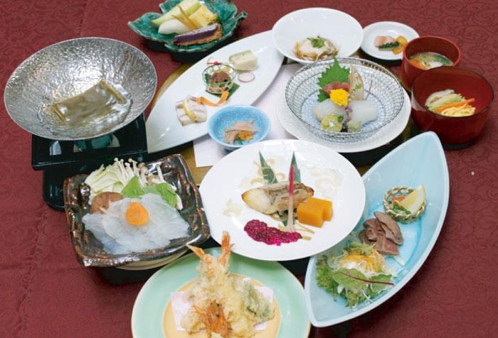 県産食材をふんだんに取り入れた、身体に優しい和食もご用意。