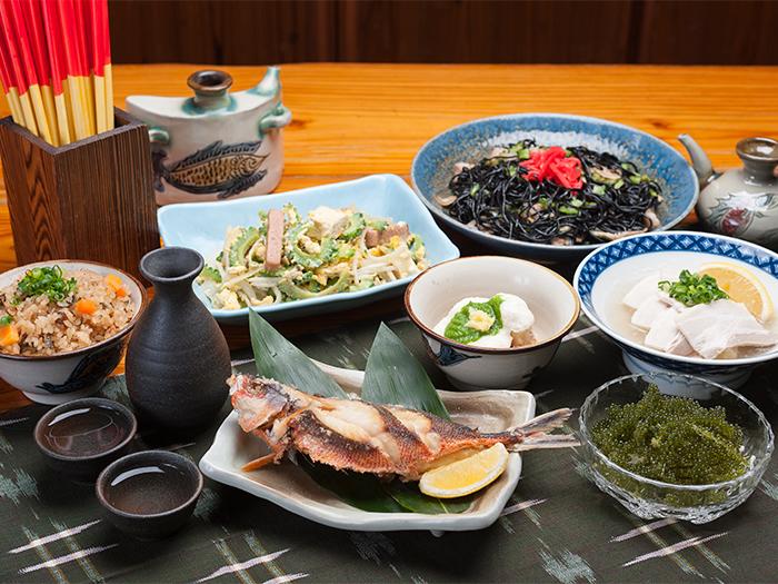 【おきなわ料理の店 くすくす】チャンプルーから宮廷料理まで多彩なメニュー