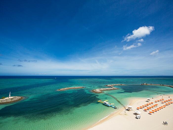 環境庁水質調査で最高ランクのAAに指定された美しいサンマリーナビーチ