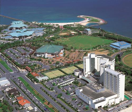 沖縄コンベンションセンター隣。トロピカルビーチまで徒歩8分