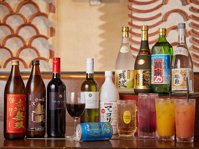 Enjoy a wide variety of alcoholic drinks, from awamori to Okinawan beers!