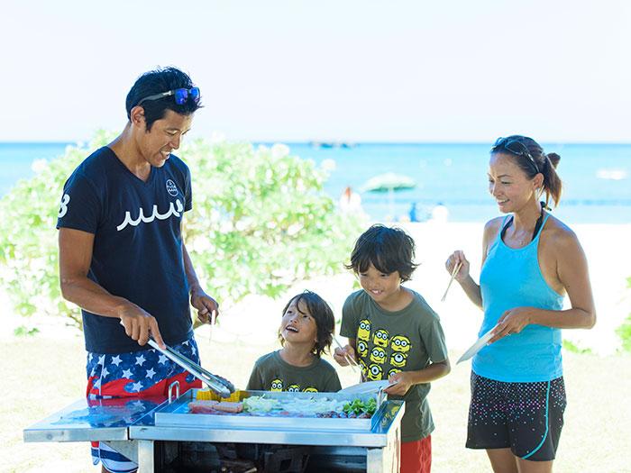 バーベキュープラン 泳いだ後はビーチサイドでバーベキュー!食材は一人前2,000円で食材のご用意いたします!食材の持込みも自由!/器材(ガス・鉄板)5,000円