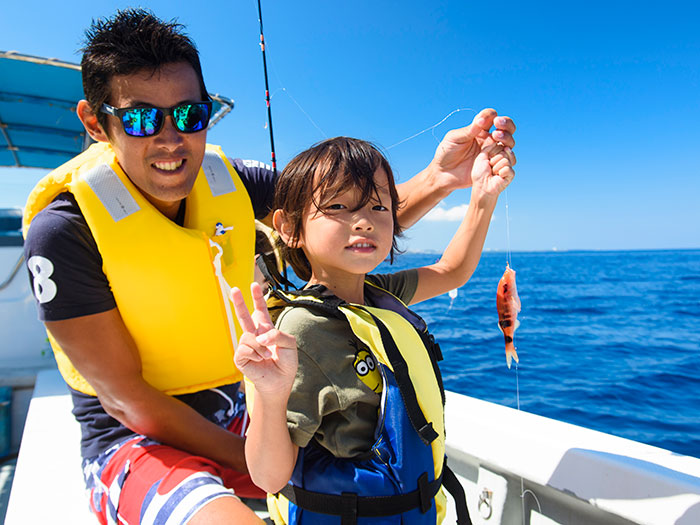釣りたて魚を味わう恩納村沖釣りツアー 8,000円(6歳以上)/所要時間:3時間