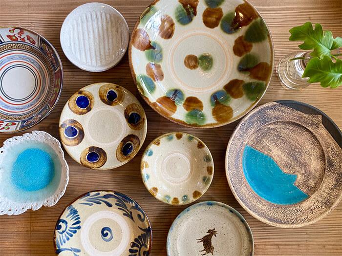 本島北部の焼き物揃い  様々なデザインの焼き物が手に入る