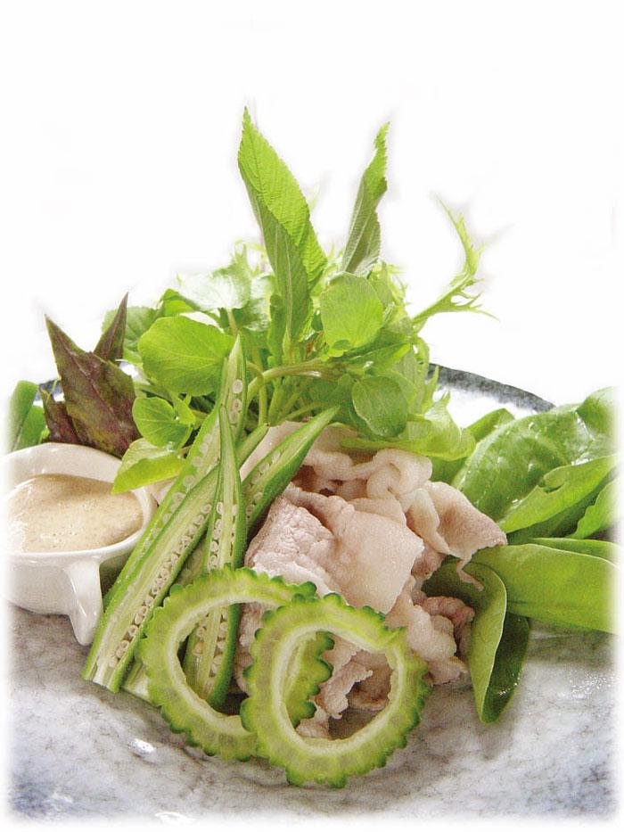 おすすめは『10種の緑野菜しゃぶしゃぶサラダ』