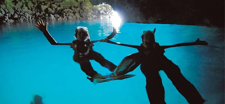 "Let's have a snorkeling experience at the fantasy world of ""Blue Cave"""