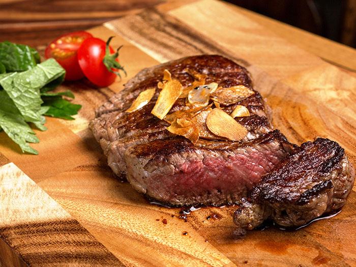 石垣牛、縣產法式黑毛和牛牛排、肋骨里脊肉、腰內肉等等各種