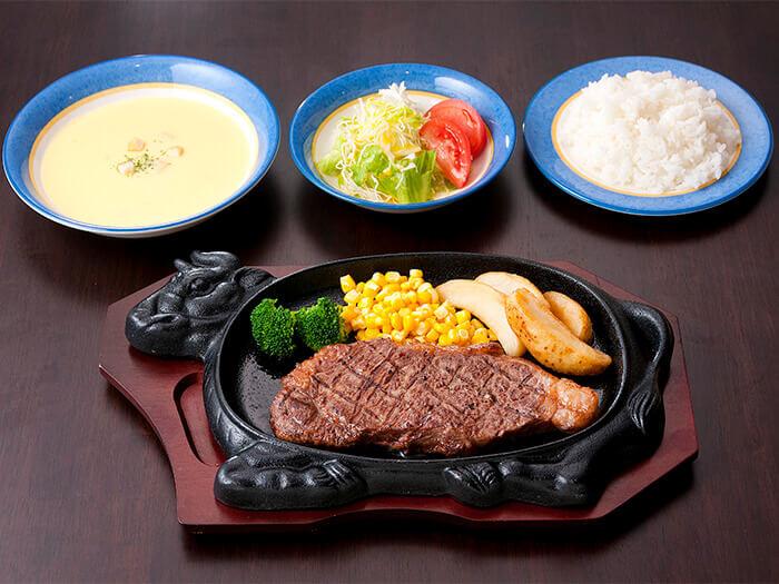 沖繩縣產和牛沙朗牛排 (250g) 羹湯・色拉・米飯的組合