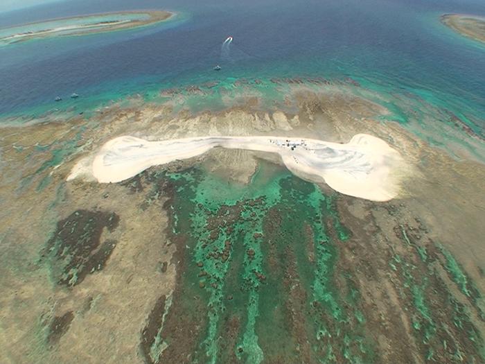 能在無人島 KUEFU島上,站在看得到藍光的美景地點做攝影!