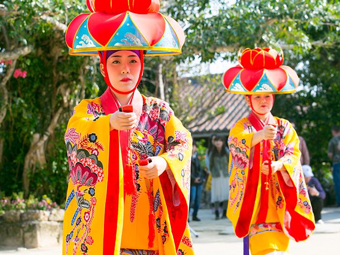 嬌艷的琉球舞蹈