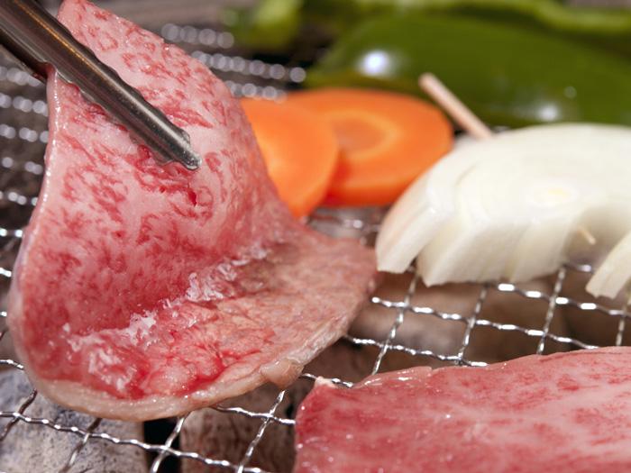 說到燒肉店,還是燒烤最對味,能夠完美的烤出鮮肉的美味。