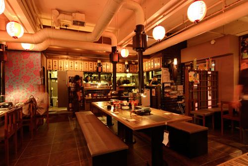 舒適的環境與氣氛讓女性顧客也能悠閒自在的享用餐點