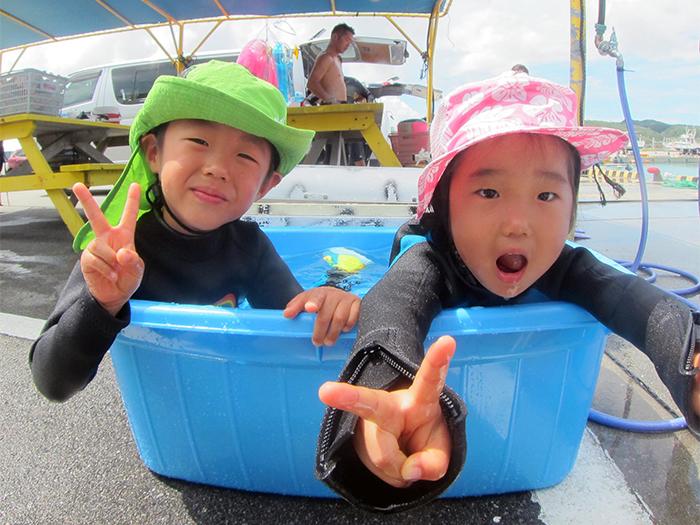 我們也有準備孩童用的裝備! 並備有眼鏡盒和游泳圈!