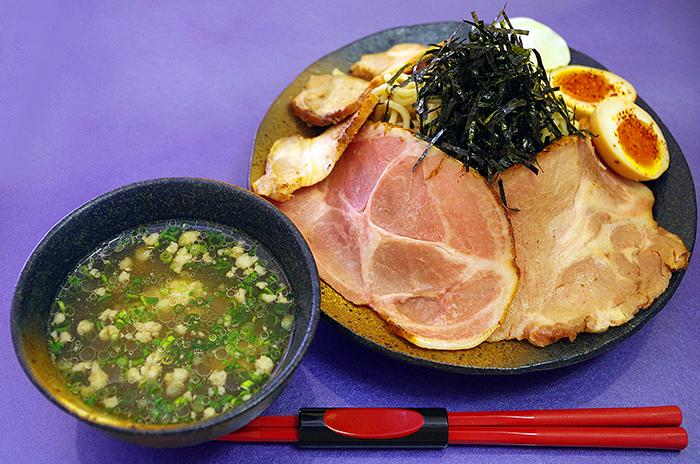島豚沾麵叉燒加量版,讓愛吃肉的人忍不住大快朵頤。