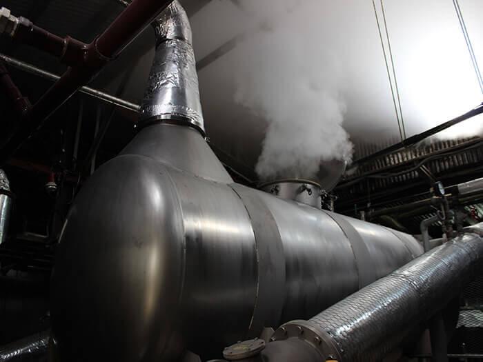 每個釀酒廠不同的富有講究的蒸餾機是最大的看點。