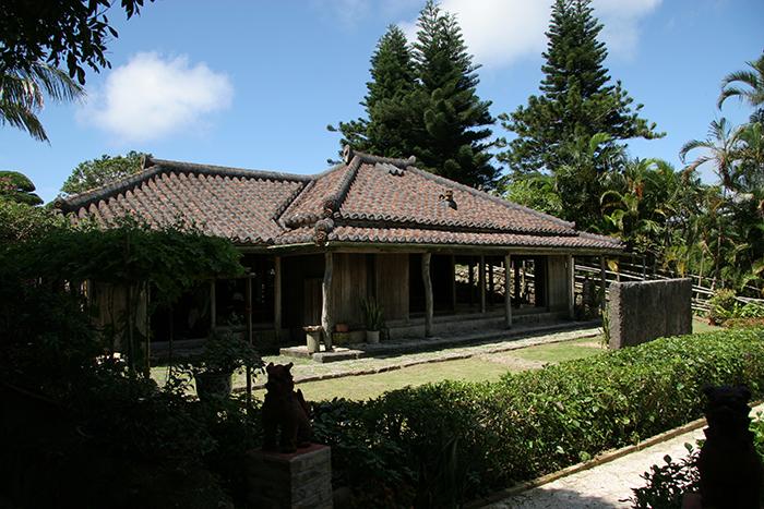 「美之島一日觀光巴士之旅」 在琉球村體驗沖繩早期的文化風俗習慣