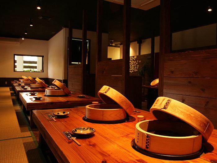 針對團體旅行大推薦,寬敞舒適的暖桌席