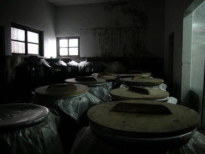 泡盛是經過3年以上發酵而成的古酒。其中還有幾十年的!
