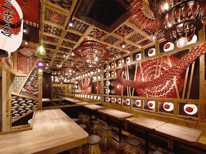 由以特色的獨創店舖內裝而聞名的日本設計公司「造形集團」把手打造的店內裝潢令人一見難忘