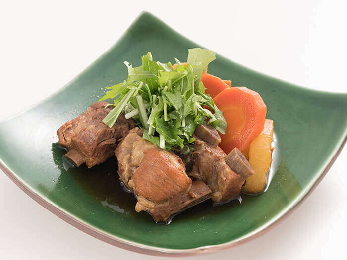 """享用""""燉煮豬肉排骨套餐""""的沖繩風味"""