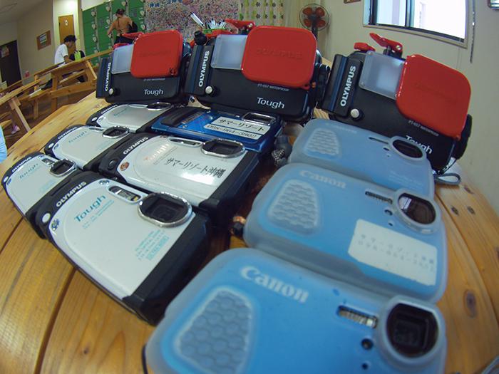 可租賃防水相機。2,500JPY/台,送SD卡一張。