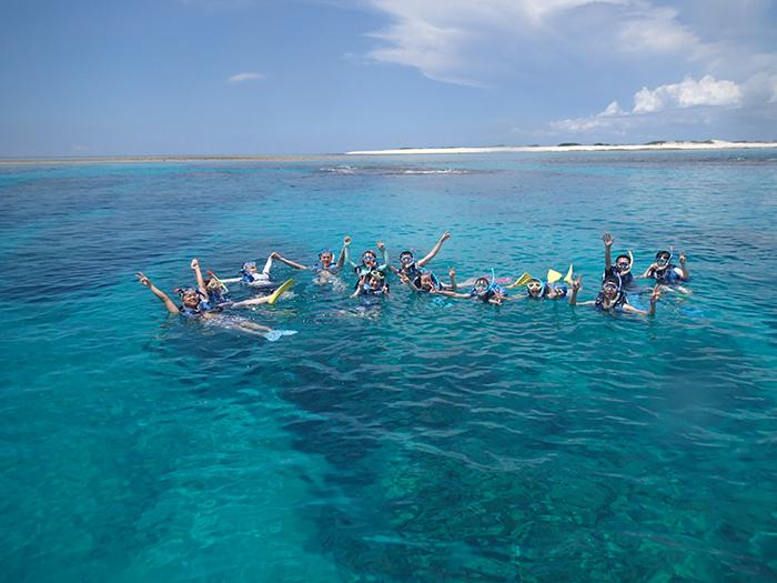 從那霸搭船約20分鐘即可輕鬆體驗浮潛之樂!