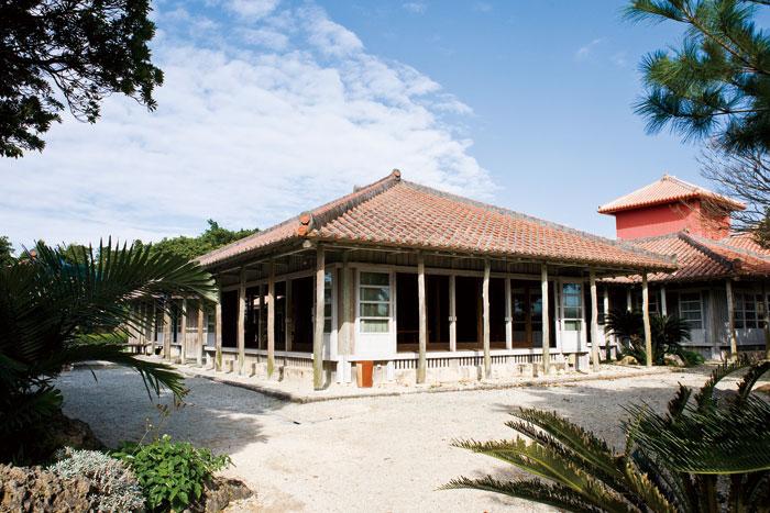 再現琉球武士住宅的情趣空間,寬敞舒適。