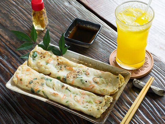 Hirayachi (Okinawan salty pancake) ¥500. First café to add this to the menu.