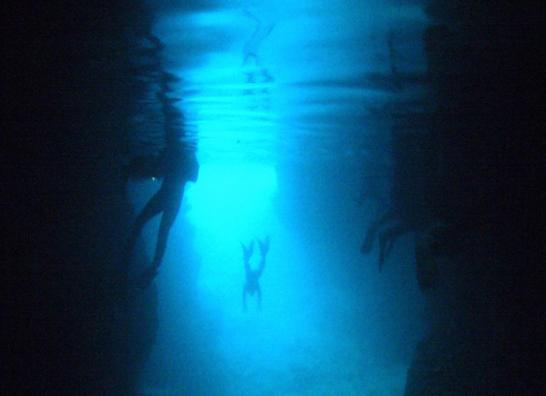 沖繩最有人氣的景點青洞窟