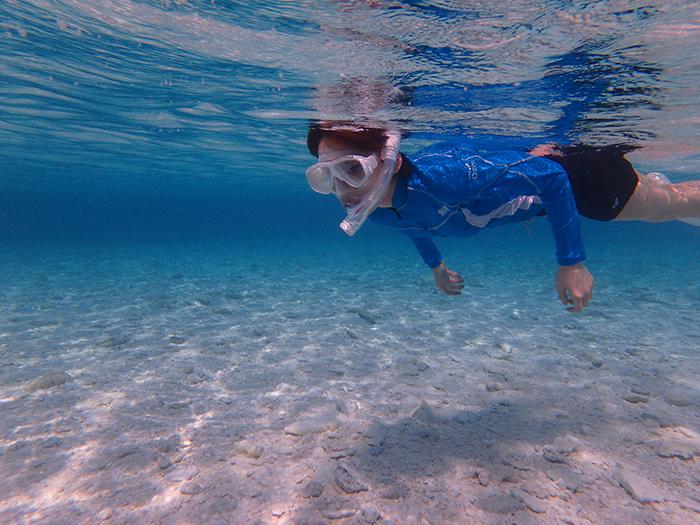 因具世界少有美麗。而被稱作是 慶良間藍 的大海。