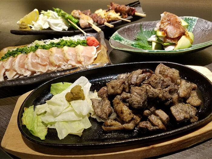 雞肉料理使用味道鮮美的「宮崎地頭雞」