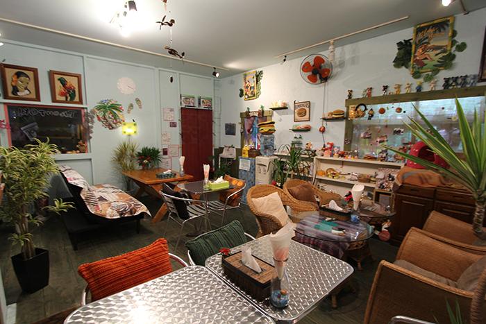 能夠放鬆休息的舒適沙發以及許多可愛裝飾的擺設