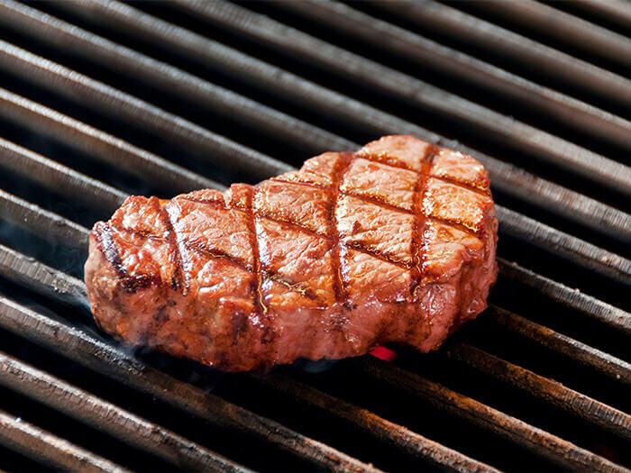 美國產嫩肉(牛柳)(250g)是肉之女王。柔嫩的紅色部位,在進口牛之中也是最高價位的肉。