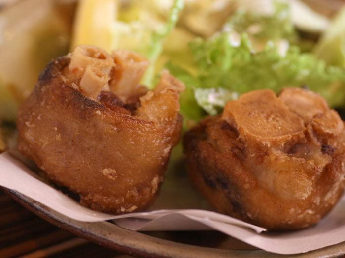 Agu豬的炸豬腳料理也受到當地人的喜愛。