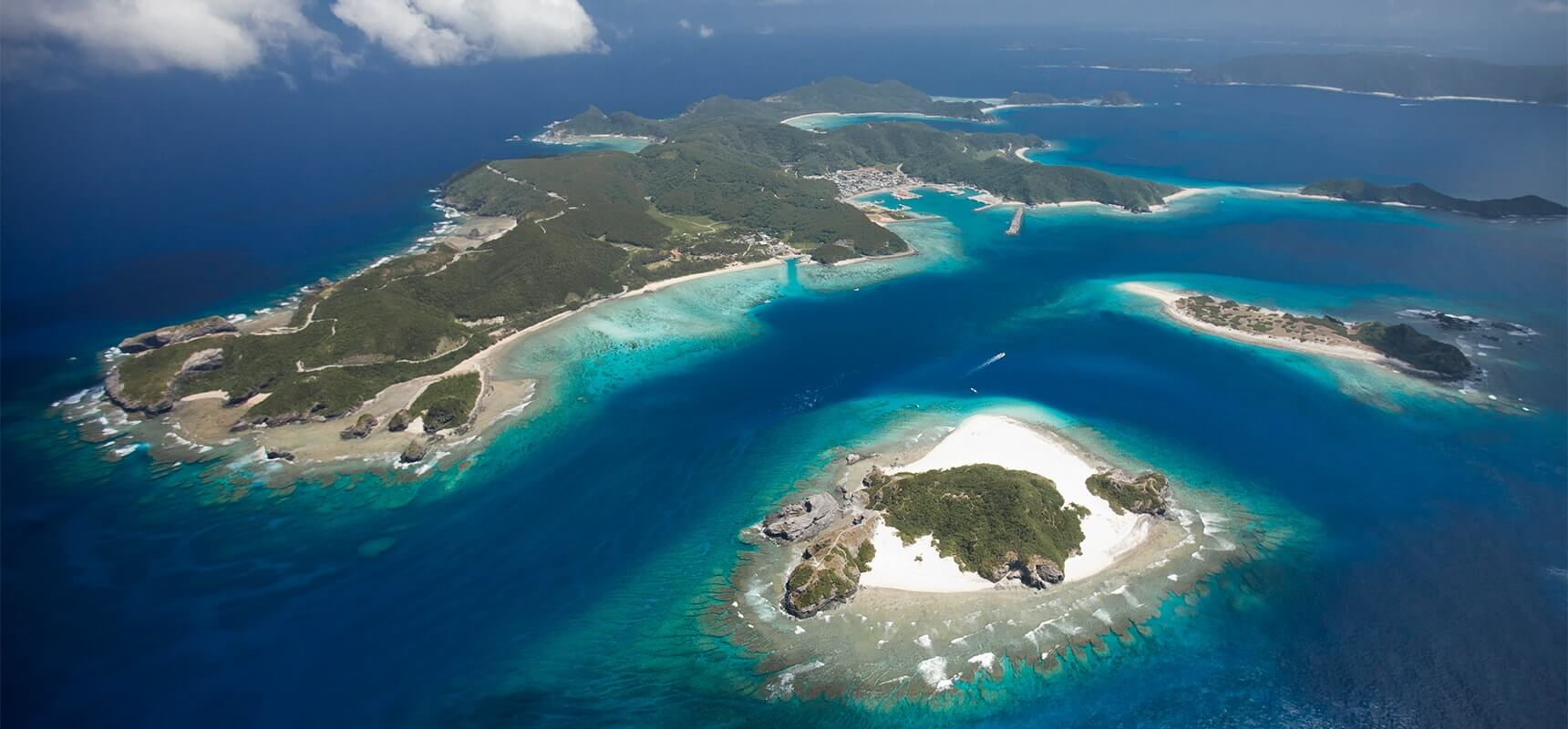 One day trip from Naha to the ocean paradise Kerama Islands