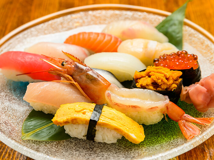 Get the combination sushi platter (super deluxe) if you want to treat yourself with sushi.
