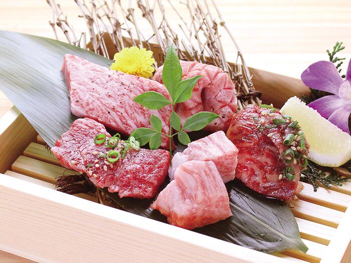 Specialty! Premium wagyu 5-cut platter.