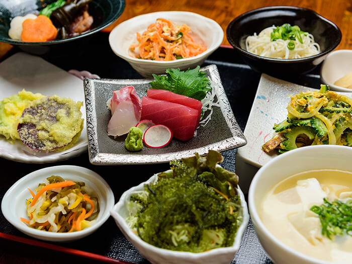 Ryukyutei's special set meal - savor Okinawan food made with specially selected ingredients.